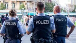 ألمانيا.. اعتقال أربعة سوريين بتهمة الهجوم على معبد يهودي